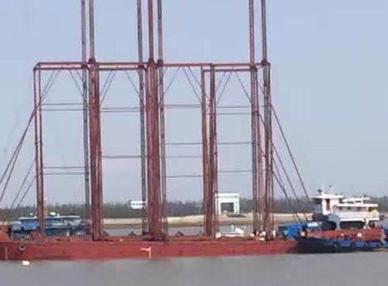 海上插板施工